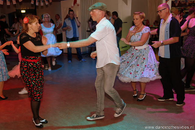 Phil Haley  & his Comments bij 20 Jaar Dance to the 60's Rock n Roll Dansschool (212).JPG