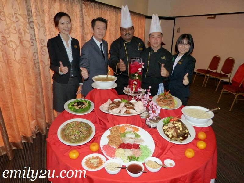 8-Course Chinese New Year Reunion Dinner @ Impiana Hotel Ipoh