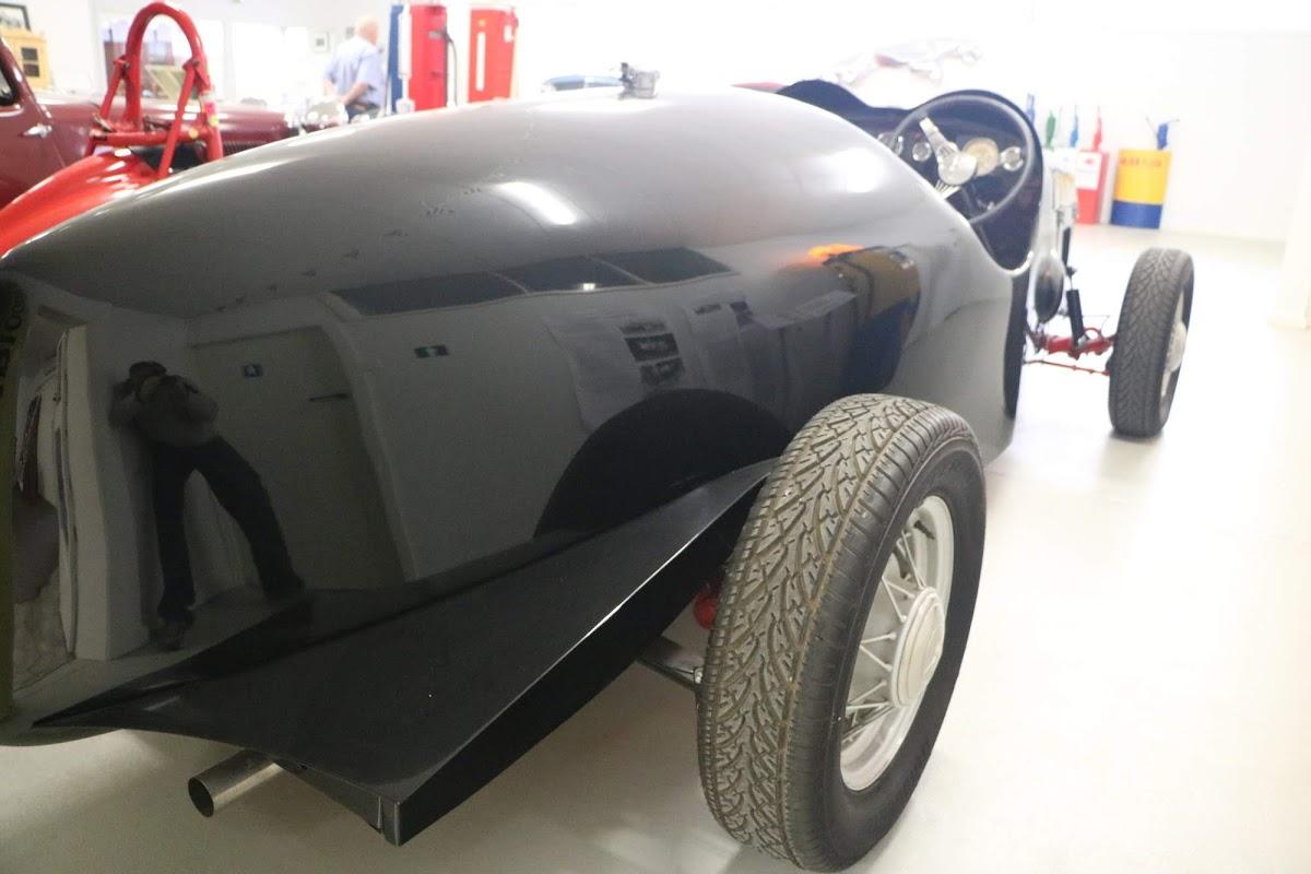 Carl_Lindner_Collection - 1936 Ford V8 Special - Black Bess 05.jpg