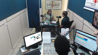 Regina  Cunha, prefeita de Itaíba anuncia seleção pública para várias funções  durante  entrevista a Independente FM