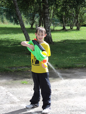 Youth Club waterfight - 2011