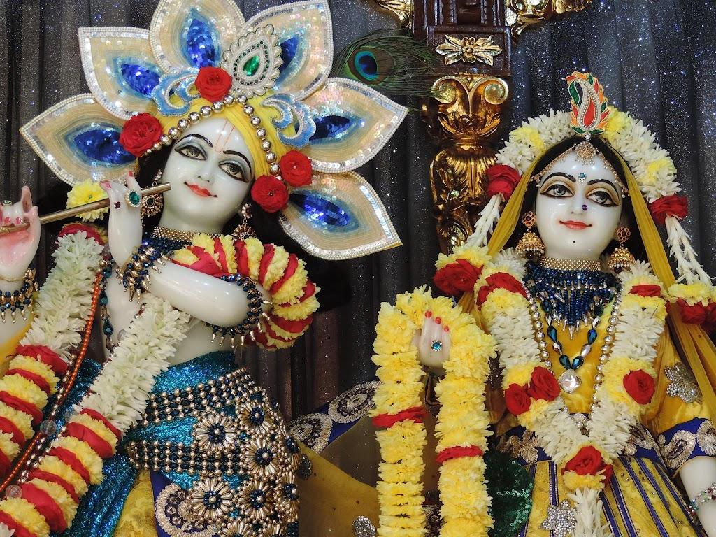 ISKCON Bangalore Deity Darshan 2 Jan 2016  (2)