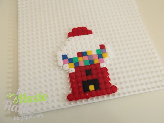 Máquina de chicles con hama beads.
