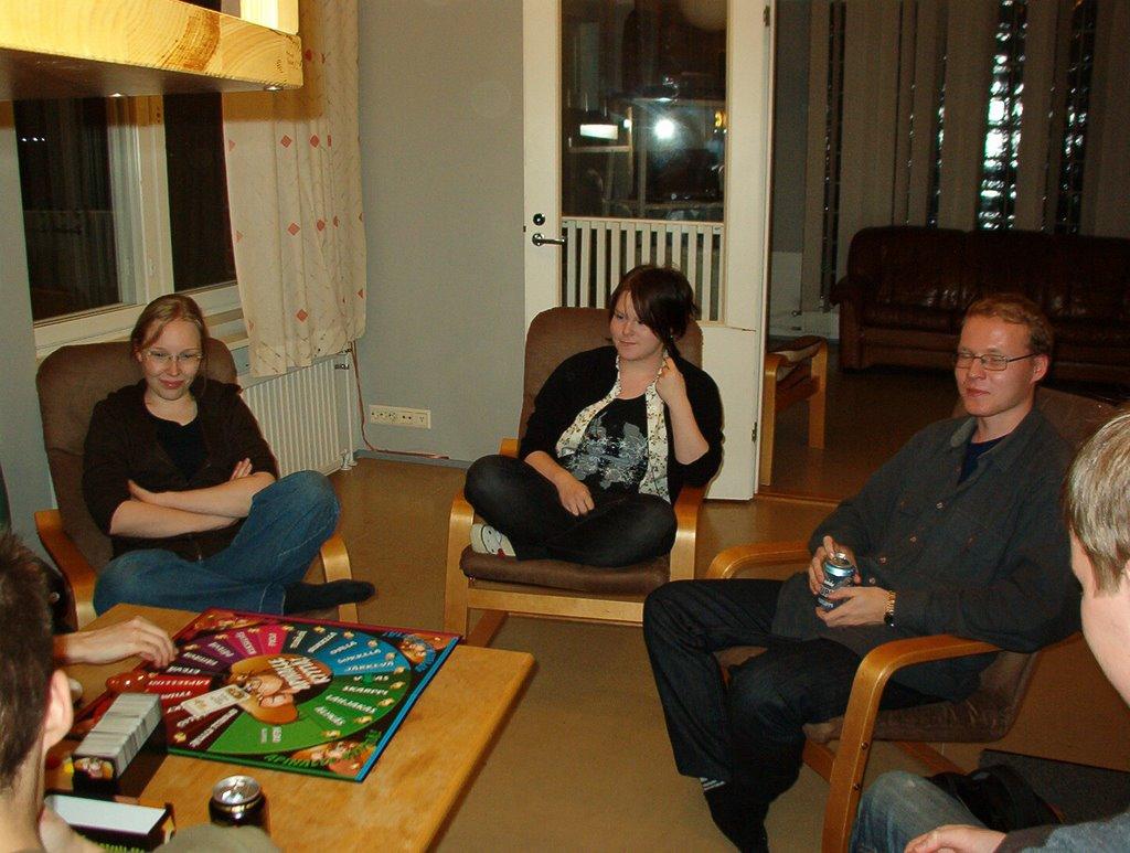 Peli-ilta syksy 2008 - IM002825.JPG