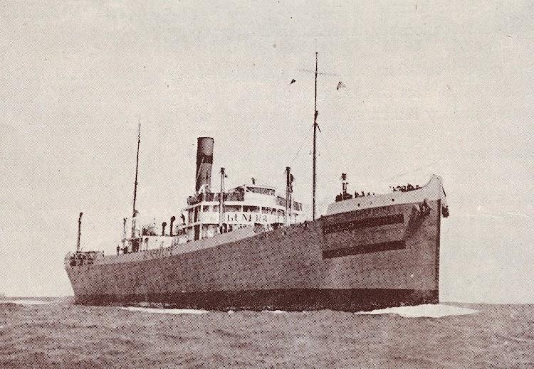 El vapor GENERALIFE con las marcas de neutralidad. Del libro UNION NAVAL DE LEVANTE. 1922-1947.jpg