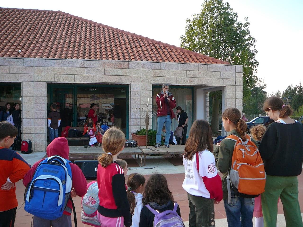 Hanukkah 2006  - 2006-12-15 07.04.03.jpg