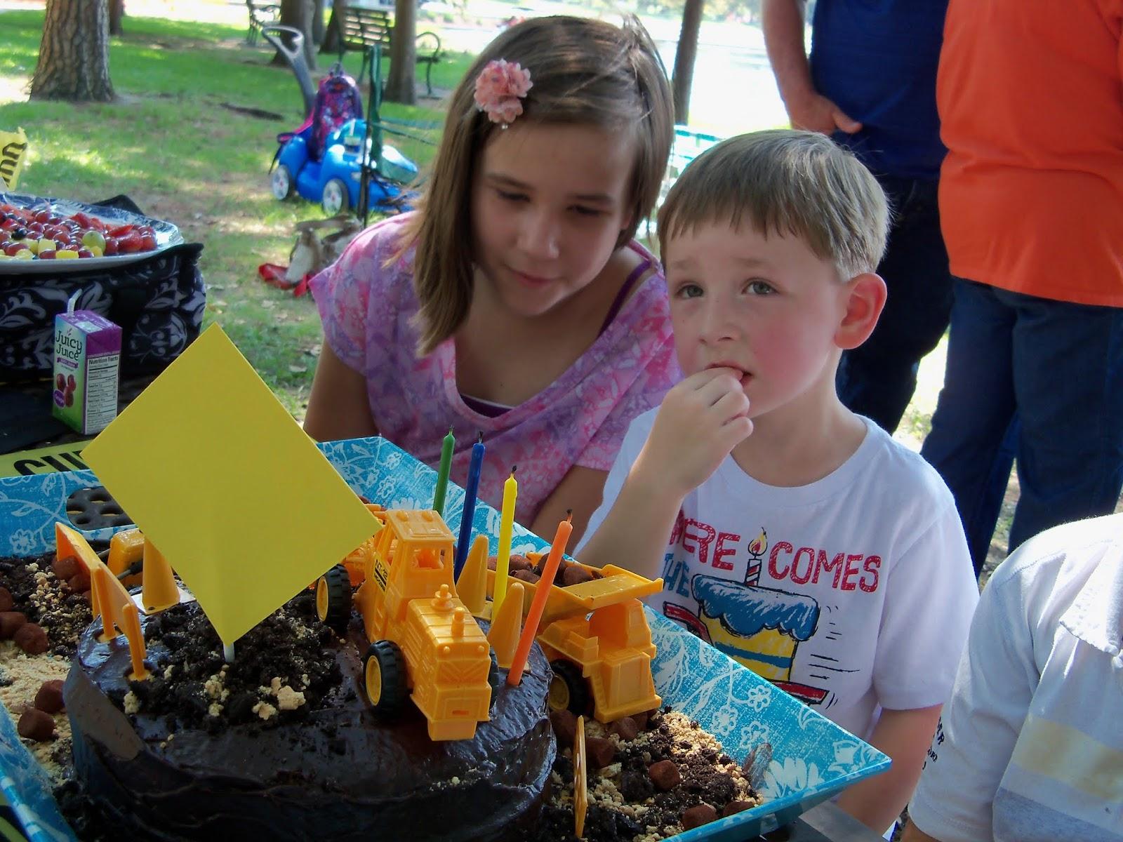 Williams 4th Birthday - 100_0571.JPG