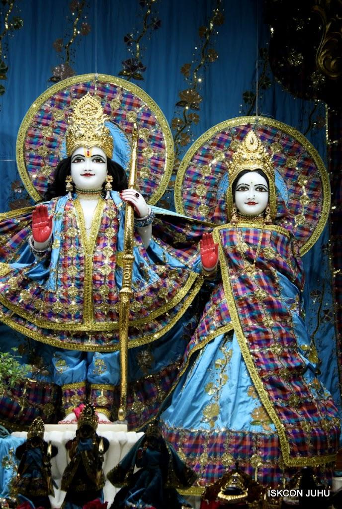 ISKCON Juhu Mangal Deity Darshan 09 Apr 16 (8)