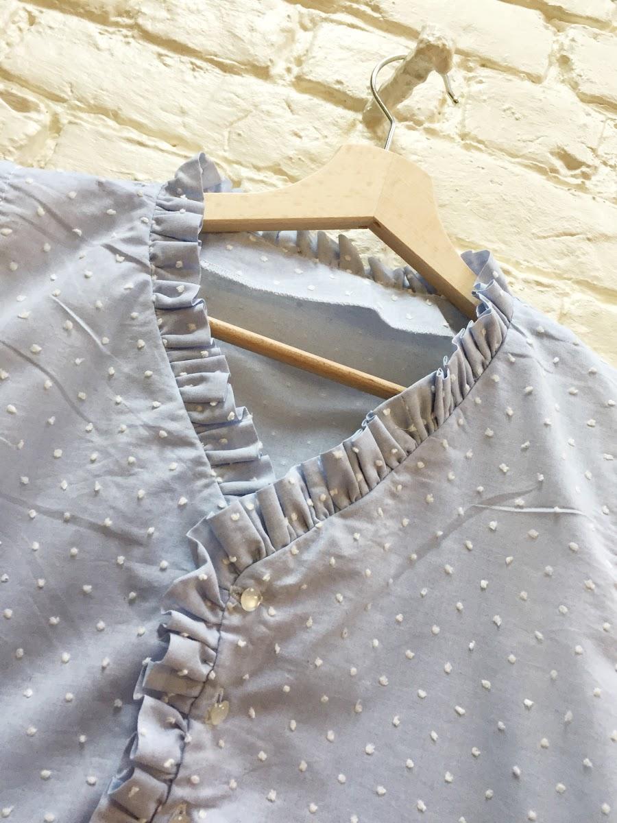 Coudre une blouse à froufrous