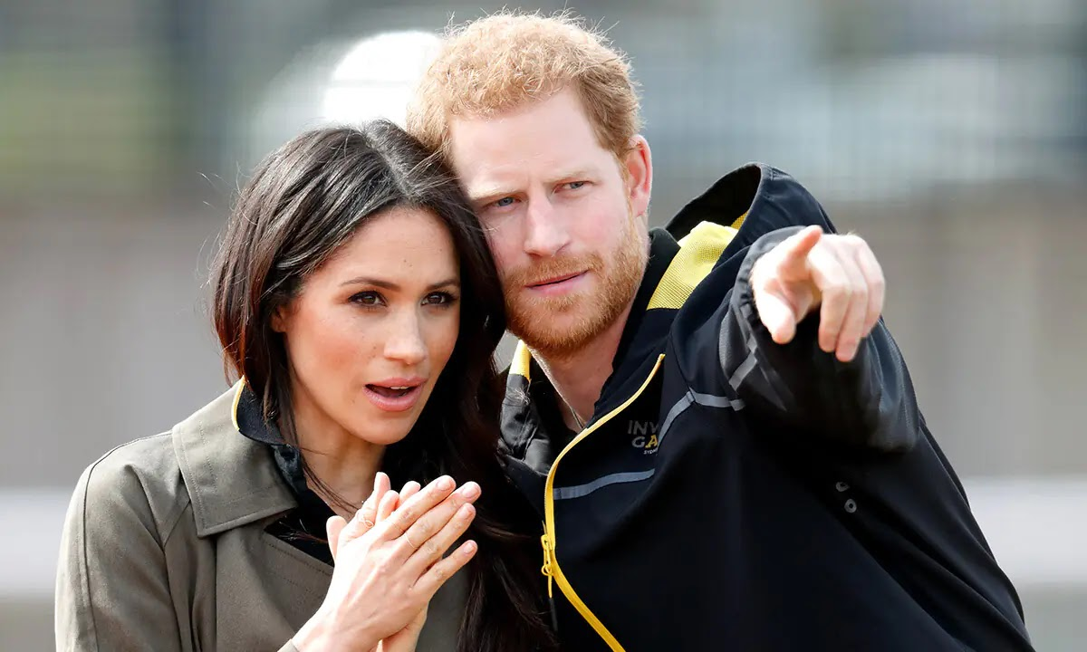 Prince Harry and Meghan Markle have a Signature pose and no one Noticed