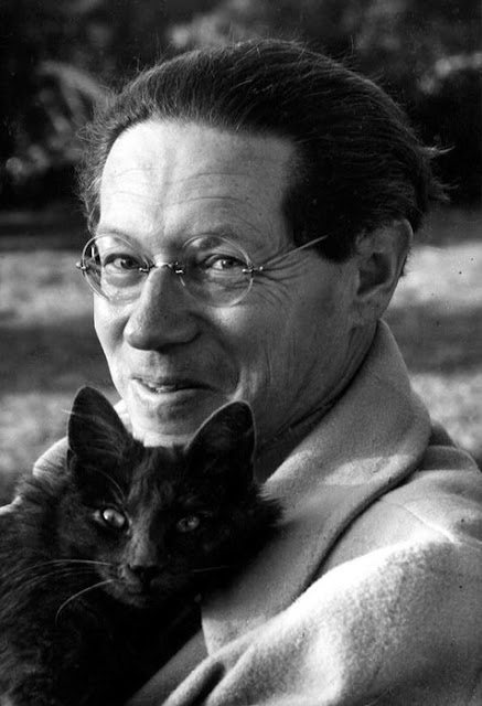 Lion Feuchtwanger and a cat