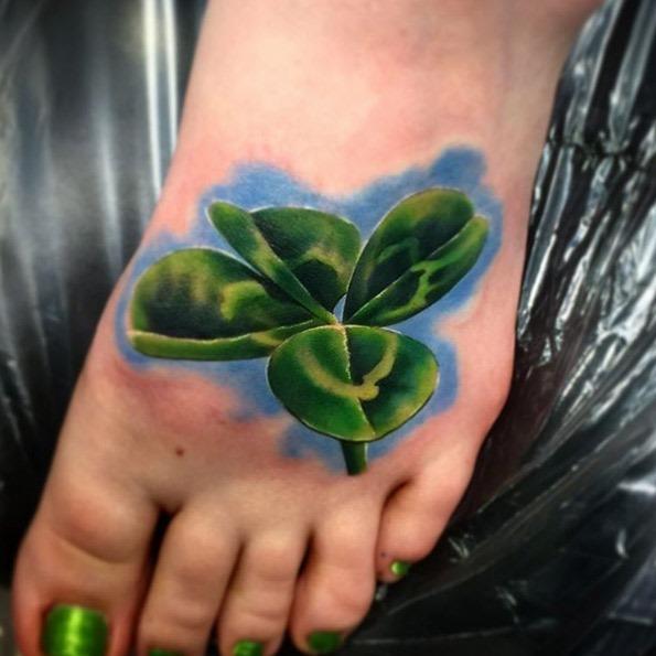 este_realista_trevo_da_tatuagem