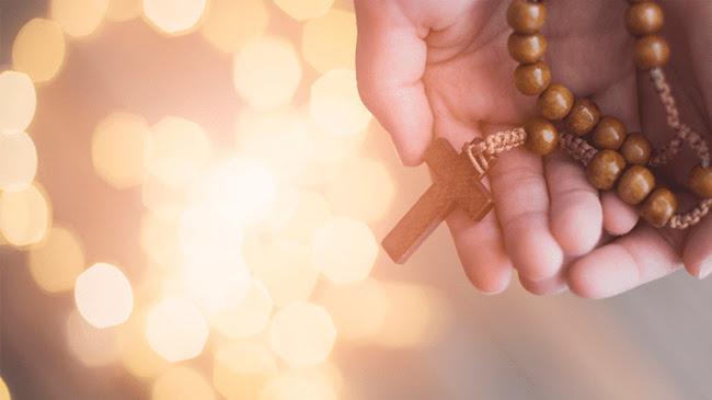 15 lời hứa Đức Mẹ cho những ai trung thành lần hạt Mân Côi