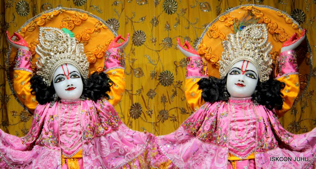 ISKCON Juhu Mangal Deity Darshan 29 Jan 2016 (26)