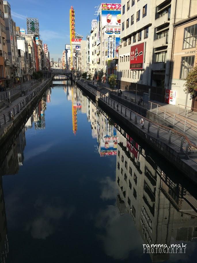 從日本橋看到如鏡的河面