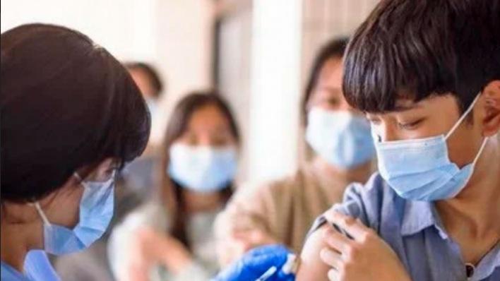 Ketua DPR Puan Maharani Ajak Anak-Anak Muda Vaksinasi