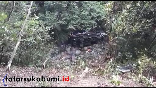 Laka Maut, Bus Pariwisata Rombongan Guru Asal Jakarta Masuk Jurang 25 Meter di Sukabumi