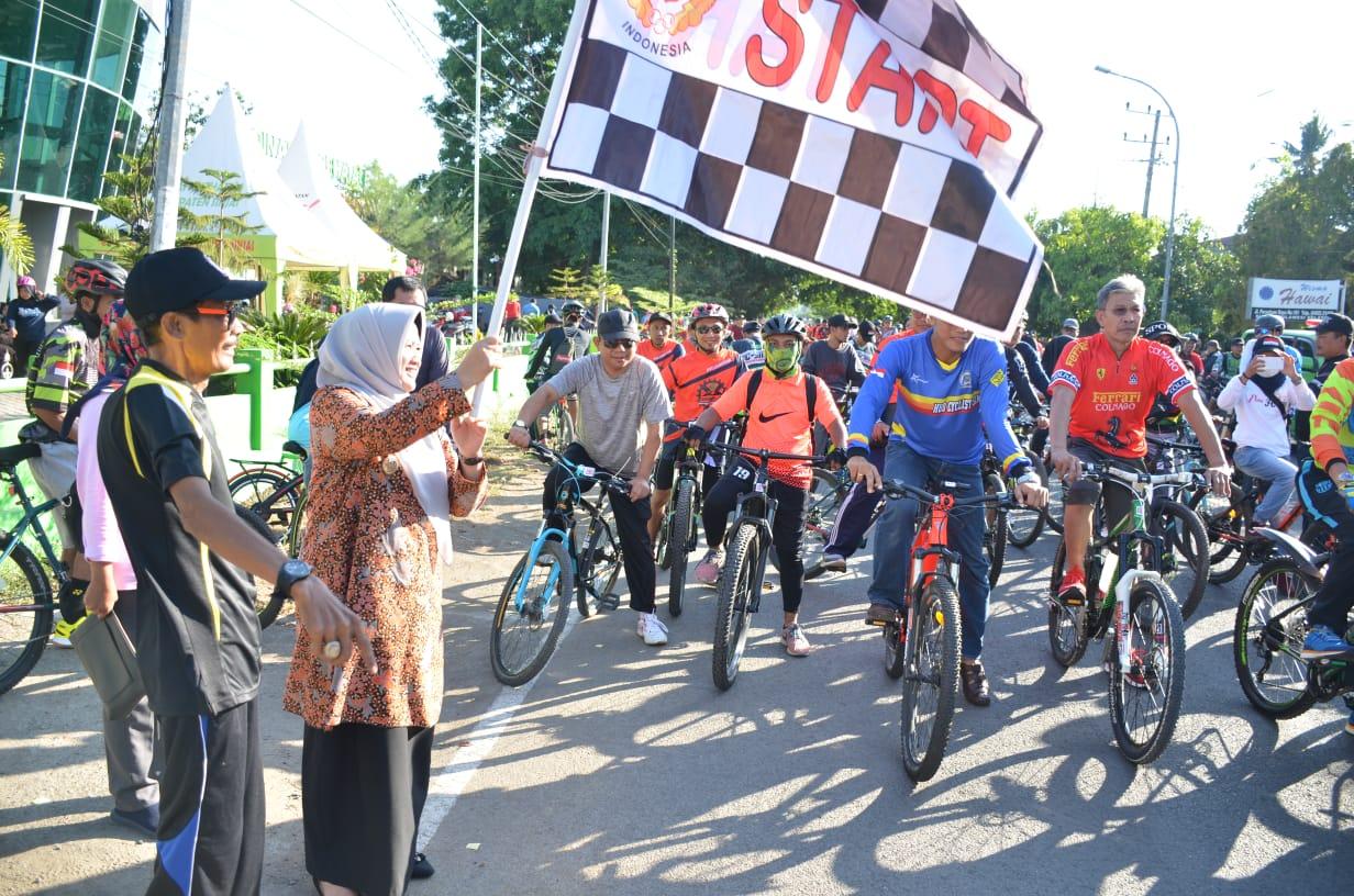 Jelang Peringatan HKN, Dinkes Sinjai Gelar Sepeda Santai
