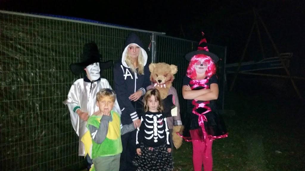 Bevers & Welpen - Halloween 2014 - 1900248_766495683423117_8011825503912965724_o.jpg