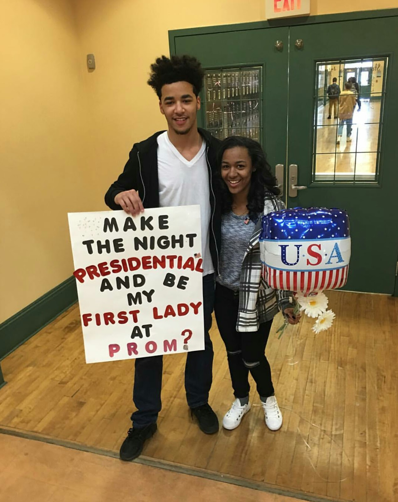 Promposals That Will Blow Her Away | Creative prom ... |Creative Prom Proposal Ideas