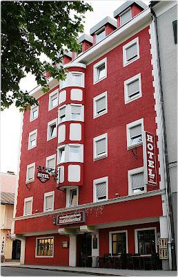 Hotel Kufsteinerhof, Franz Josef-Platz 1, 6330 Kufstein, Austria