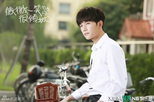 Phim Yêu Em Từ Cái Nhìn Đầu Tiên - Just One Smile is Very Alluring