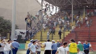Football/Professionnalisme : Kerbadj exhorte les clubs à se doter d'un directeur de sécurité