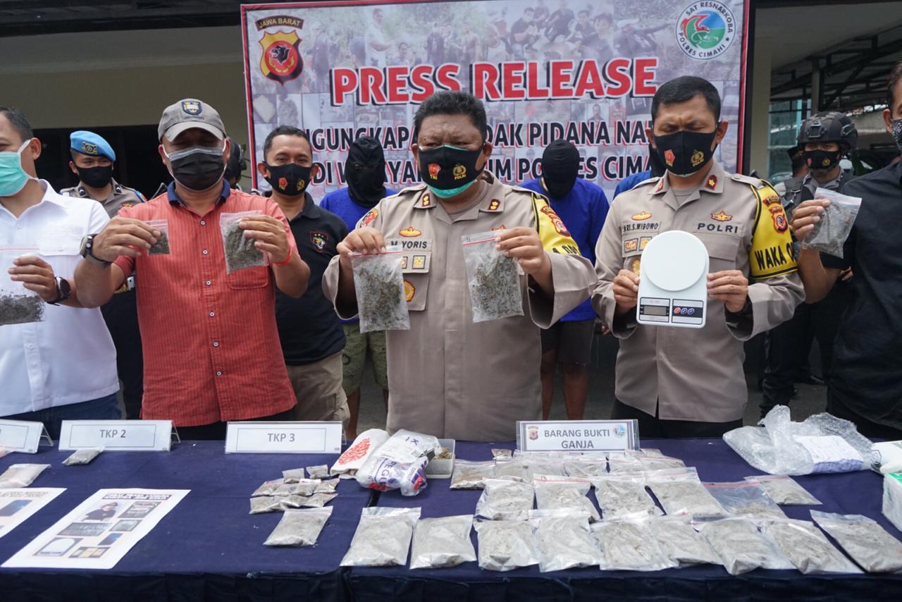 Polres Cimahi Polda Jabar Berhasil Ungkap 4 Orang Terduga Pengedar Ganja