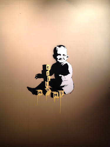 Banksy. Kill mom?