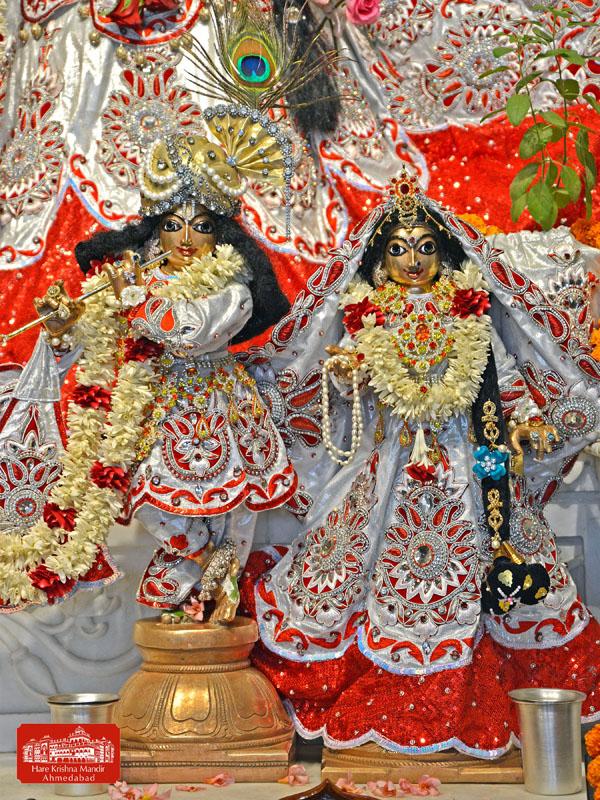 ISKCON Hare Krishna mandir Ahmedabad 10 Jan 2017 (7)