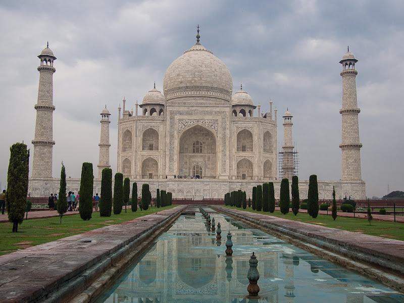 La perfecta simetria del Taj Mahal
