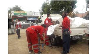PMI Berikan Bantuan Untuk Terdampak Bencana Alam di Kabupaten Karawang