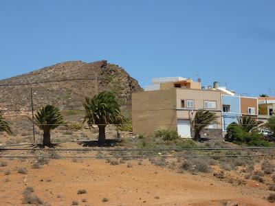 Häuser auf trockenem Sand, Ingenio, Gran Canaria.