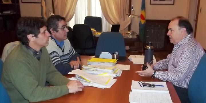 secretario seccional del Sindicato Luz y Fuerza de Necochea, Daniel Lazarte y al secretario gremial Sergio Morano