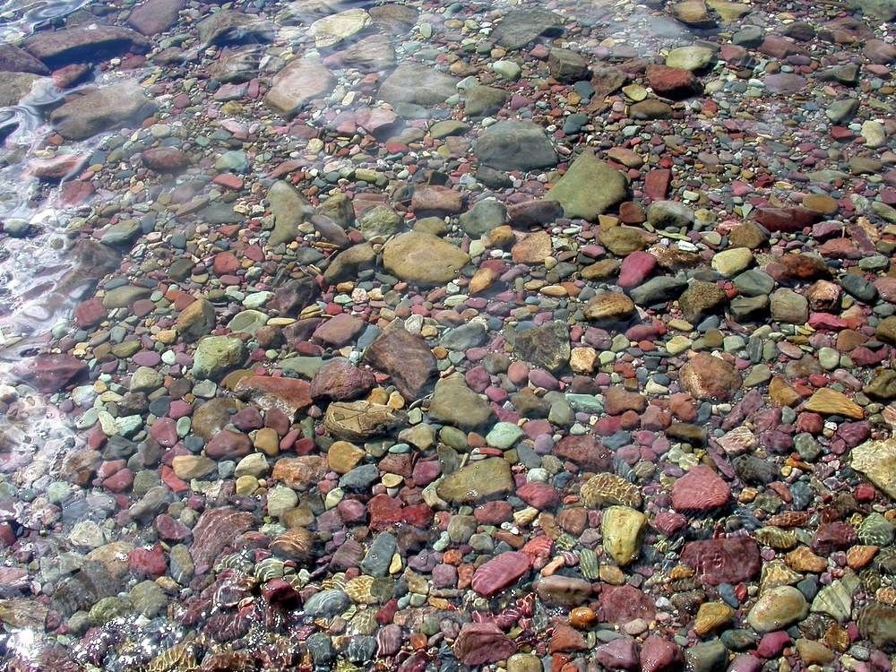 lake-mcdonald-colored-pebbles-1