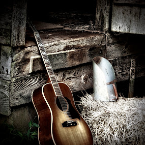 Bobby Johnny's Gibson Hummingbird by Allie Small - Artistic Objects Musical Instruments ( gibson, hummingbird, johnny, acoustic, bobby, guitar )