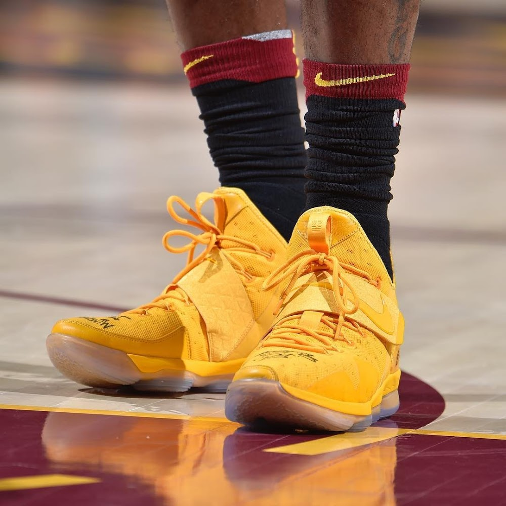5533e66c89d3 ... LBJ Debuts Statement LeBron 15s But Wears Some 14s Too ...