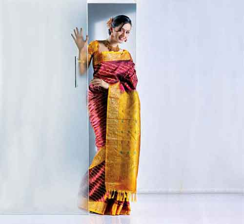 Tamil actress Bhavana's Hot Images In Saree stills