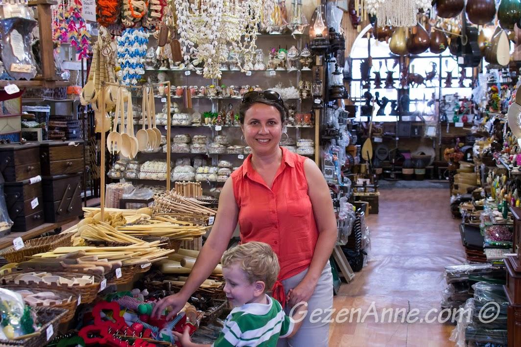 Amasra Çekiciler Çarşısı'ndaki bir dükkanda