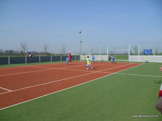 Veľkonočný medzinárodný ZLATÝ futbalový turnaj ČSFA (17.4.2011) - P1020034.JPG