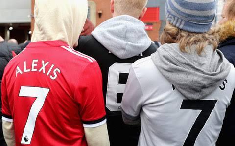 Alexis Sanchez shirt sales smash Man Utd records