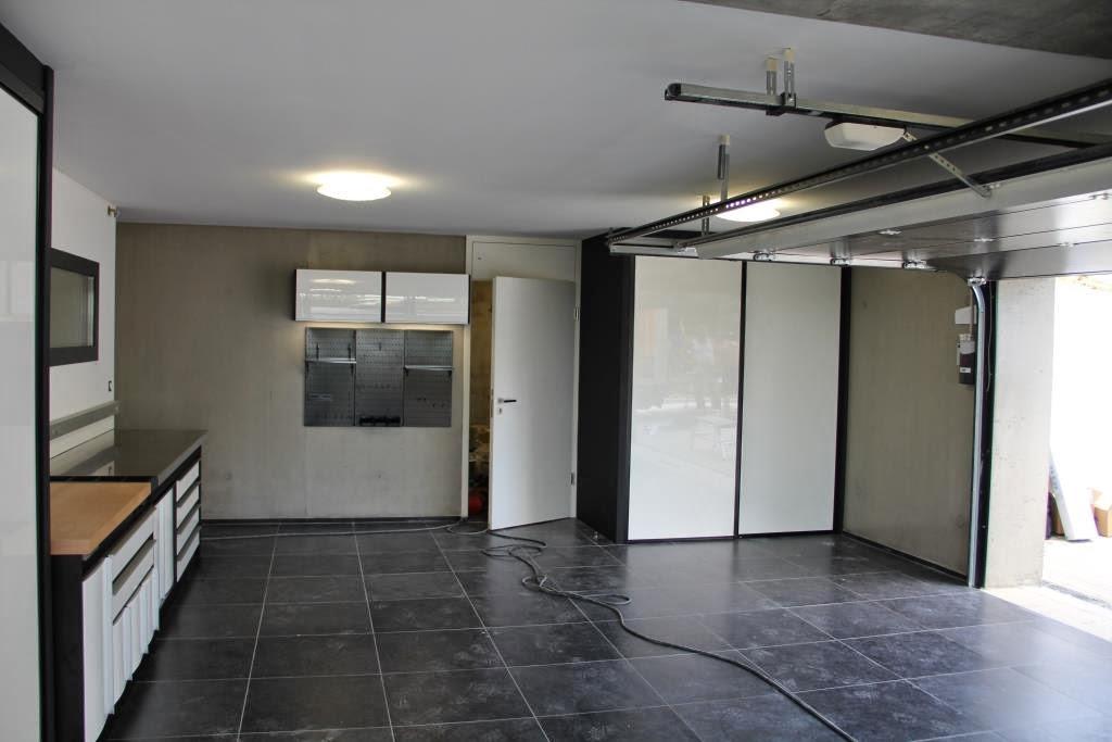 Garage blanc trm garage for Garage blanc lyon 4