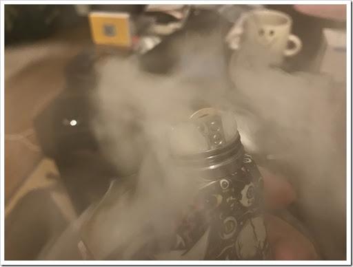 IMG 4261 thumb - 【OH!SAMURAI!】「Dovpo Bushido2 RDA」(ドヴポ・プシドーツーRDA)レビュー!フレーバー重視と言いつつ巨大なボトムエアフローで爆煙重視のRDA!レジンかストーンのドリップチップもカッコイイ!