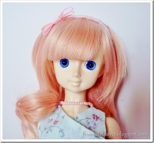 Review of EHS014 in 14 mm. glass eyes for ball jointed dolls.  Sold by Alice's Collections.