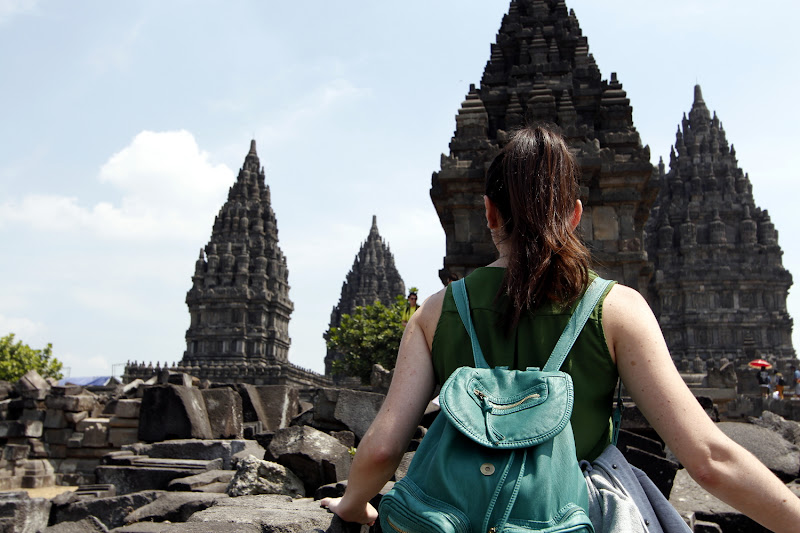 Mirando a la Trimurti de Prambanan
