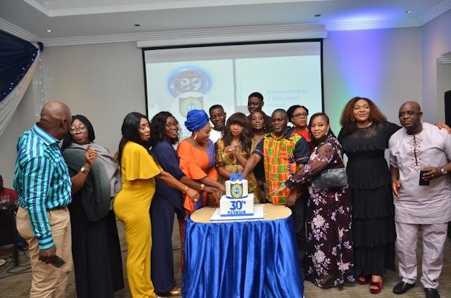 NNSS  '89 Set Holds Fun Filled 30th Anniversary And Reunion Dinner