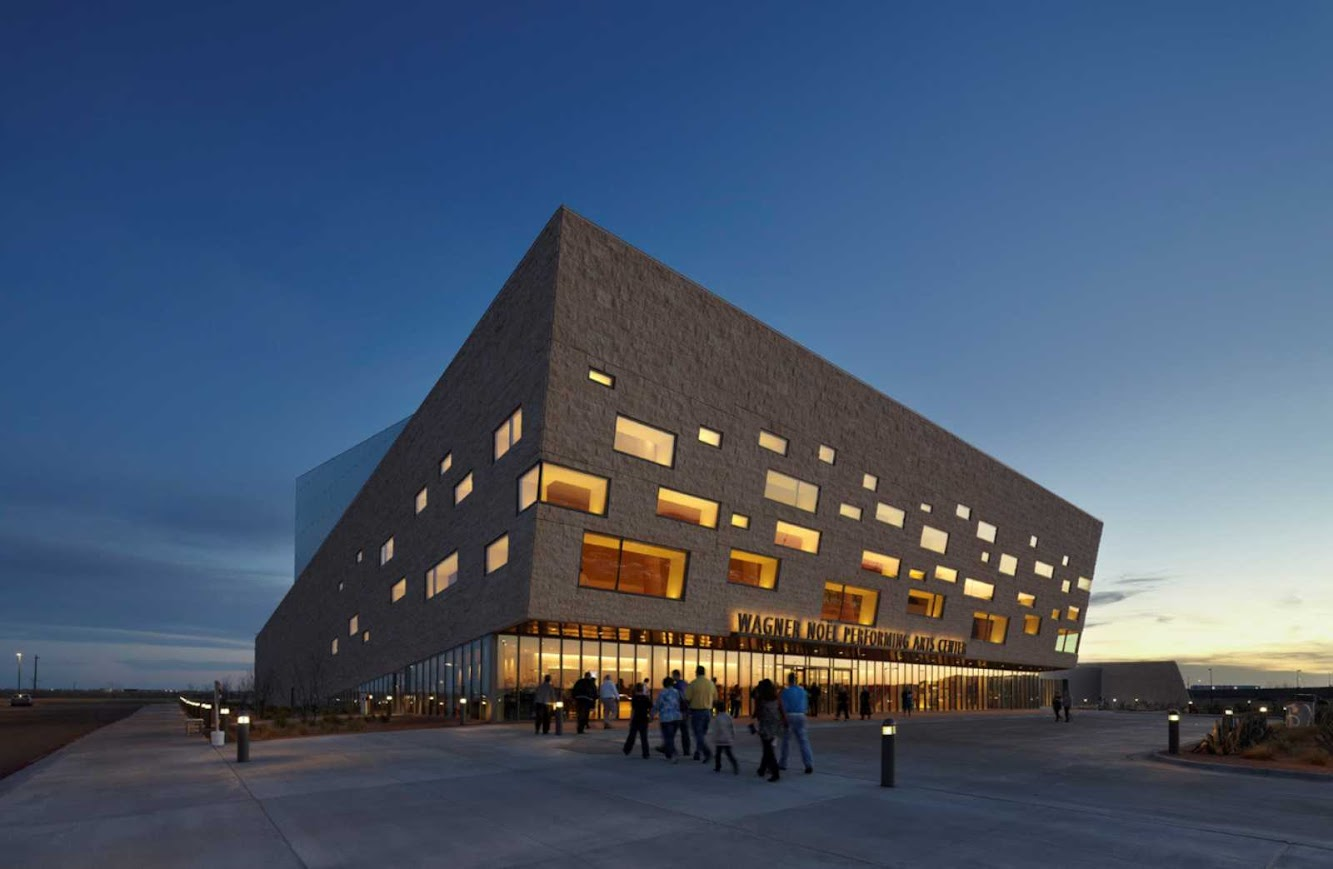 Midland, Texas, Stati Uniti d'America: Wagner Noel Performing Arts Center by Boora Architects + Rhotenberry Wellen