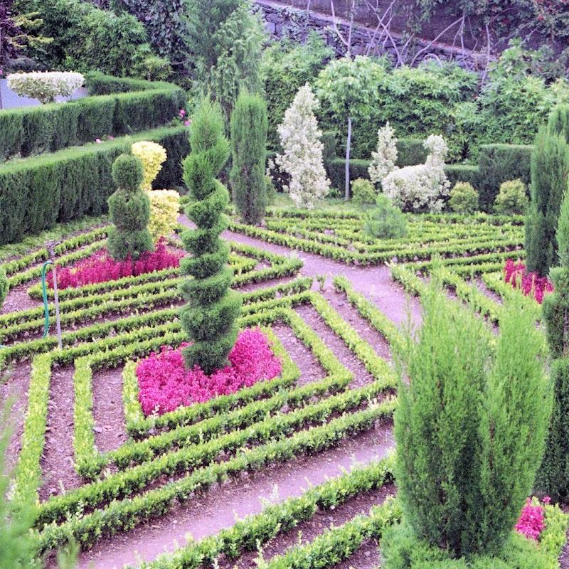 Madeira_08 Funchal Gardens.jpg
