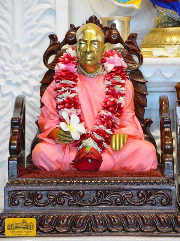 ISKCON Ahmedabad Sringar Deity Darshan 16 August 2016 (11)