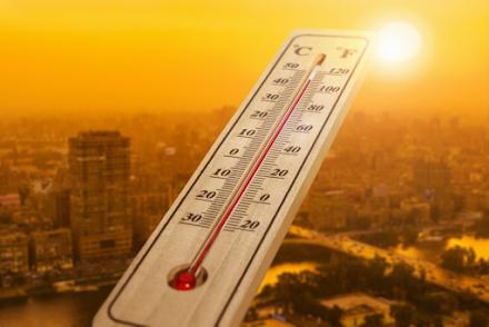 Ρεκόρ θερμοκρασιών για την εποχή : Στους 30,7°C διατηρήθηκε η θερμοκρασία τη νύχτα στα Φαλάσαρνα Χανίων -  Στους 44°C έφτασε η Σύρτη της Λιβύης